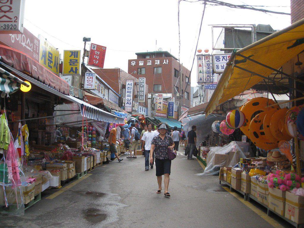 Dongdaemun toy market