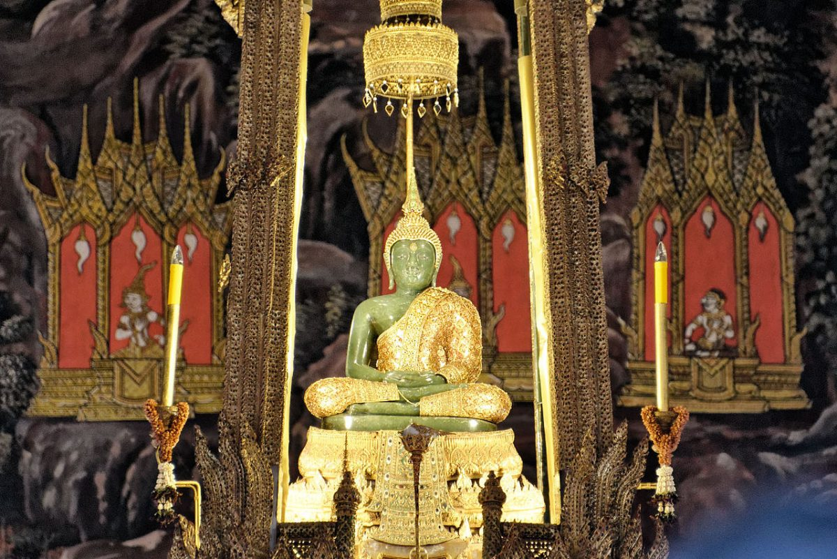 Emerald Buddha - Amazing Things to Do in Bangkok, Thailand