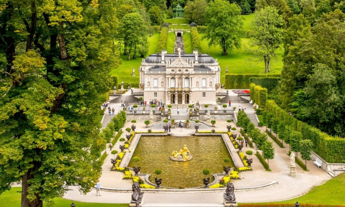 The smaller Linderhof Palace Schloss Linderhof was one of Ludwig II's childhood places and the palace with its garden modelled on Versailles is the only project Ludwig II saw completed in his life