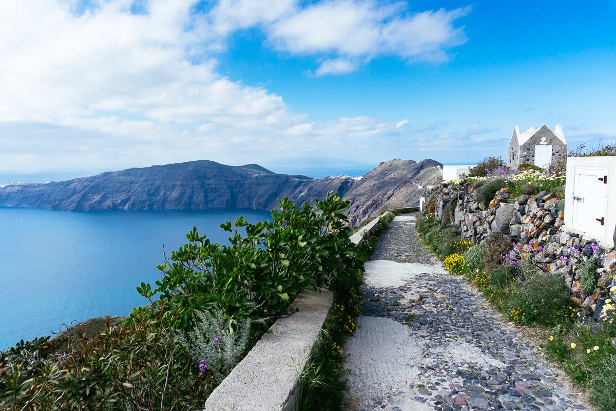 Hiking trail from Fira to Oia, Santorini, Greece