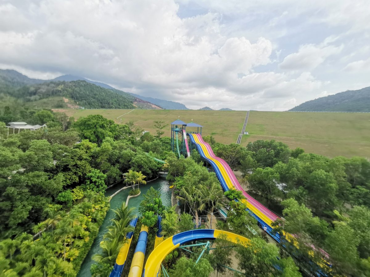 With more than 30 exciting rides, Penang's ESCAPE Theme Park is the perfect place for an outdoor adventure