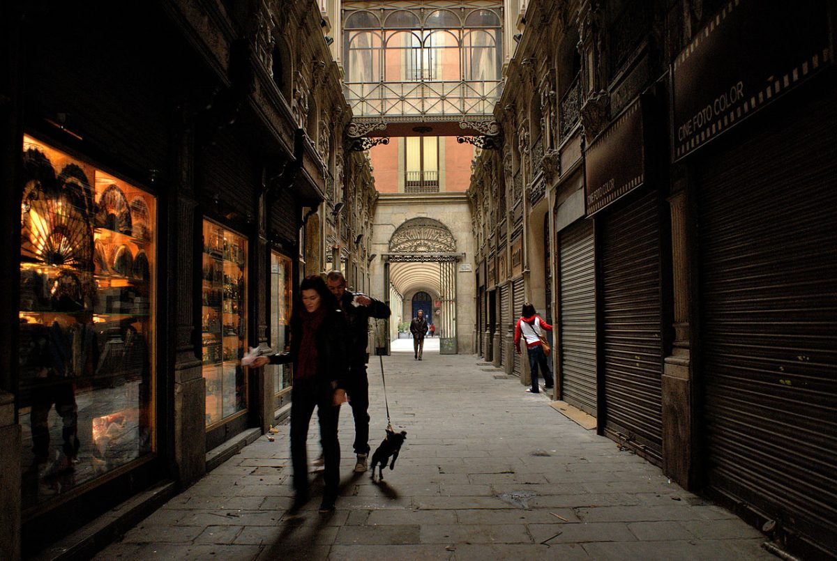 Cool streets at the Gothic quarter