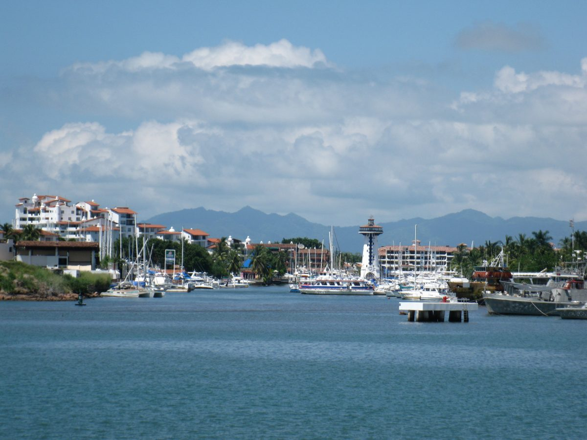 Marina Vallarta, a huge upscale resort, is a peace haven where one can enjoy an entire day of relaxation and shopping