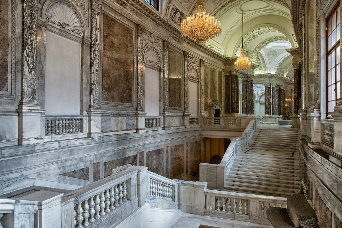 Back in the 20th century, the Hofburg was home to major events such as the extravagant balls and meetings of the Congress of Vienna