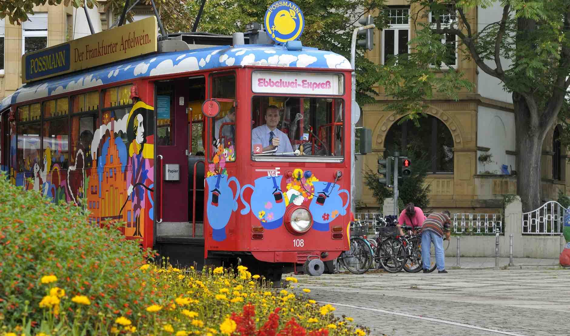 Ebbelwei-Expreß train with alpfelwien