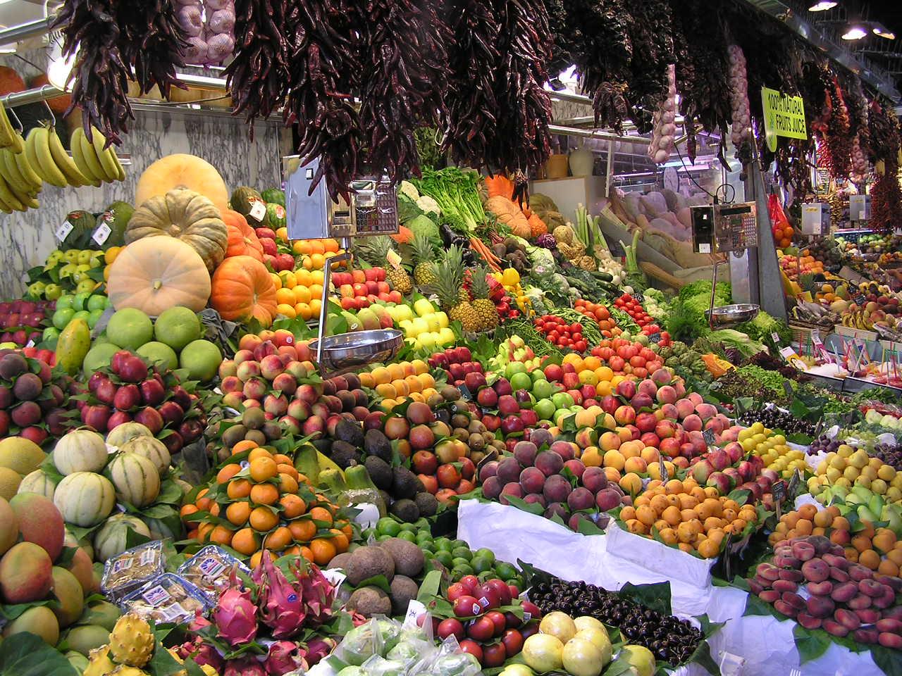Colorful image of fruits at La Boqueria