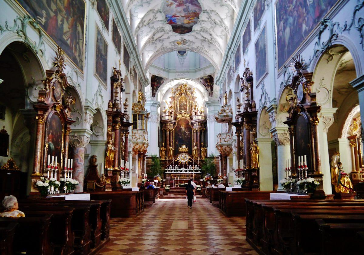 Golden veins on pillars in St. Peter Abbey interior
