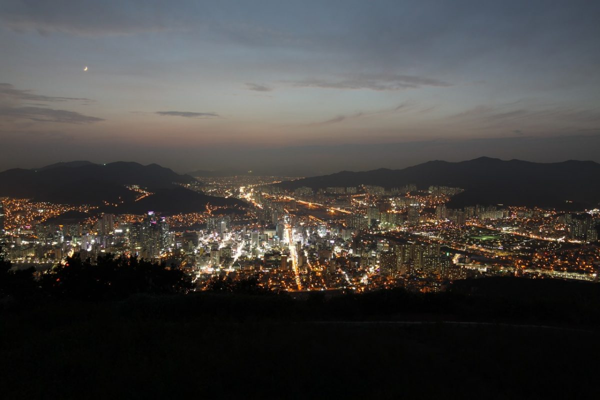 Spectacular night views of Busan