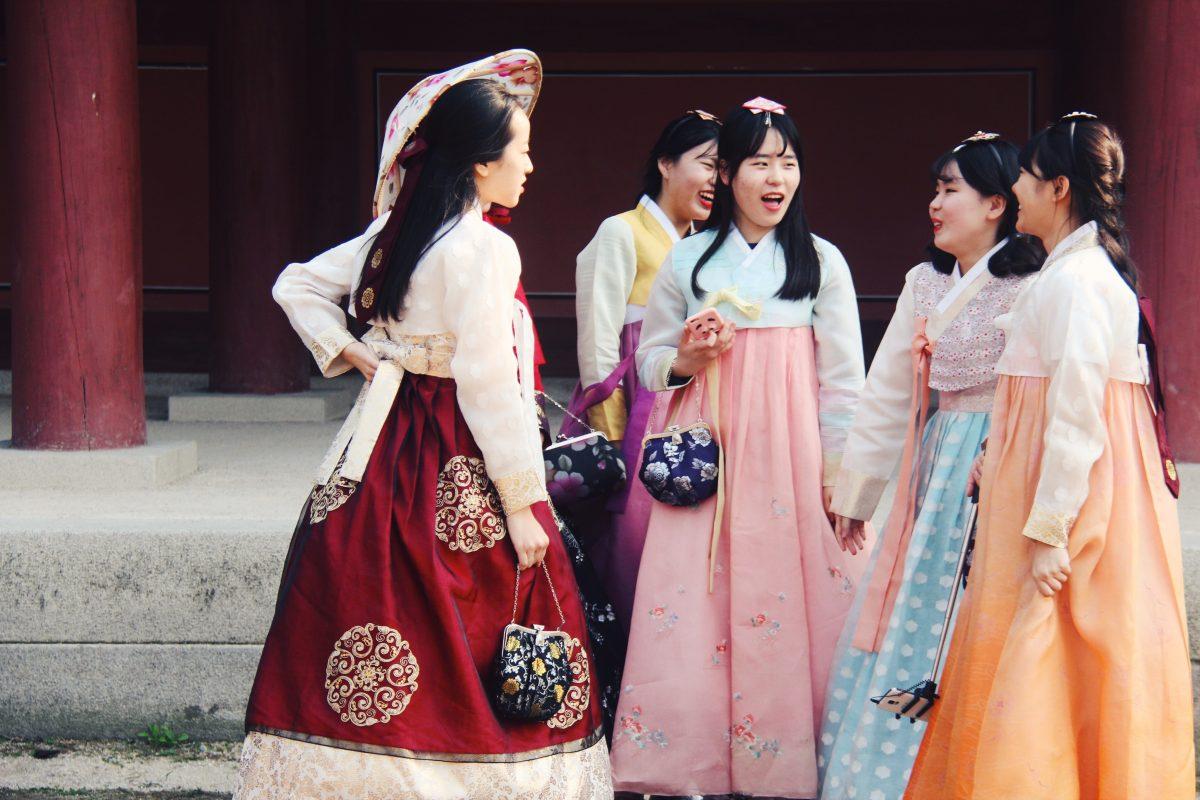 Korean Girls in Hanbok