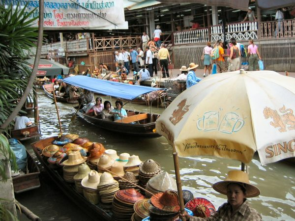 Taling Chan Floating Market In Bangkok – All You Need To Know