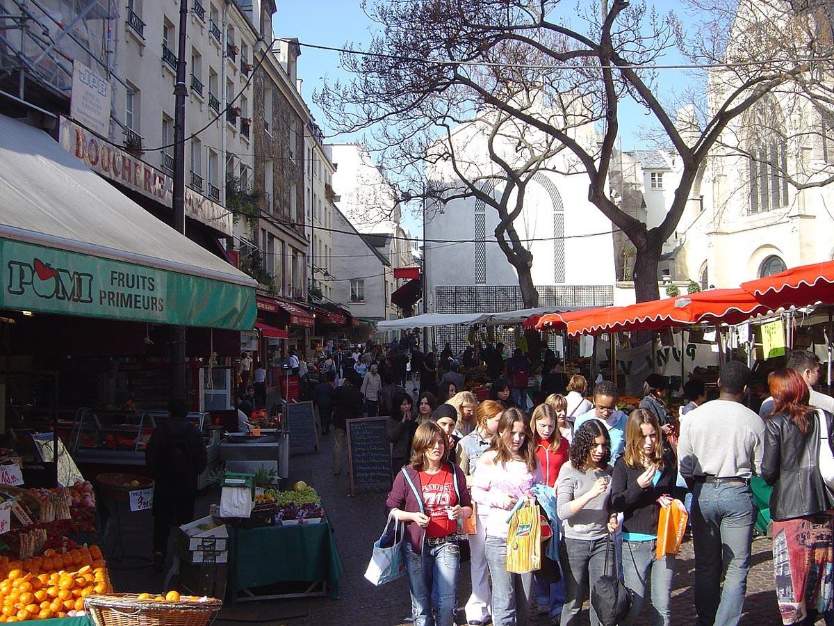Street market Rue Mouffetard