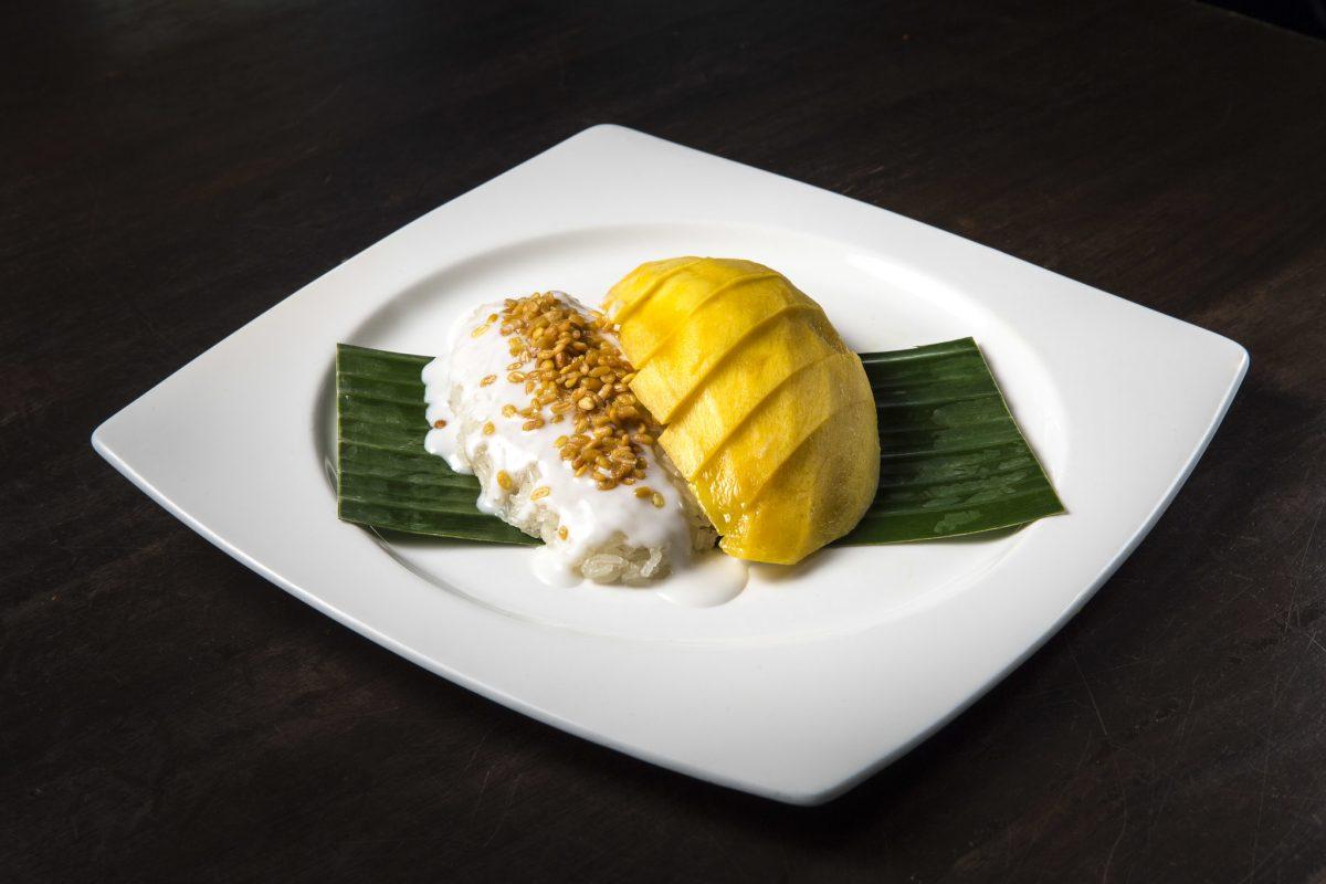 Thai Food, Kao Niew Ma Muang, Mango with Sticky Rice