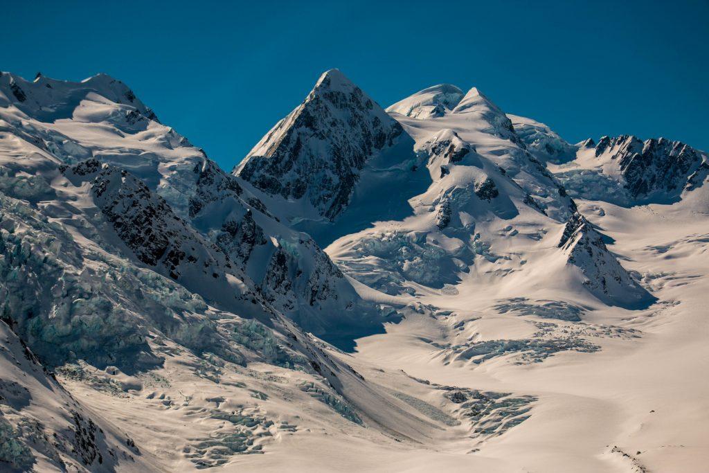 Mt Elie De B.