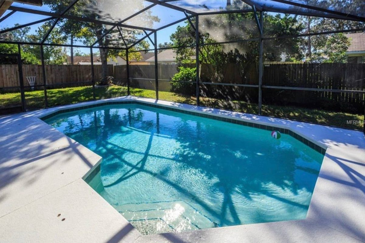 Airbnb Orlando with Pool