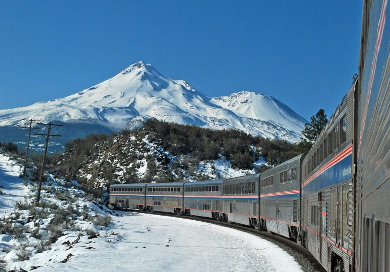 Amtrak Coast Starlight, Mount Shasta