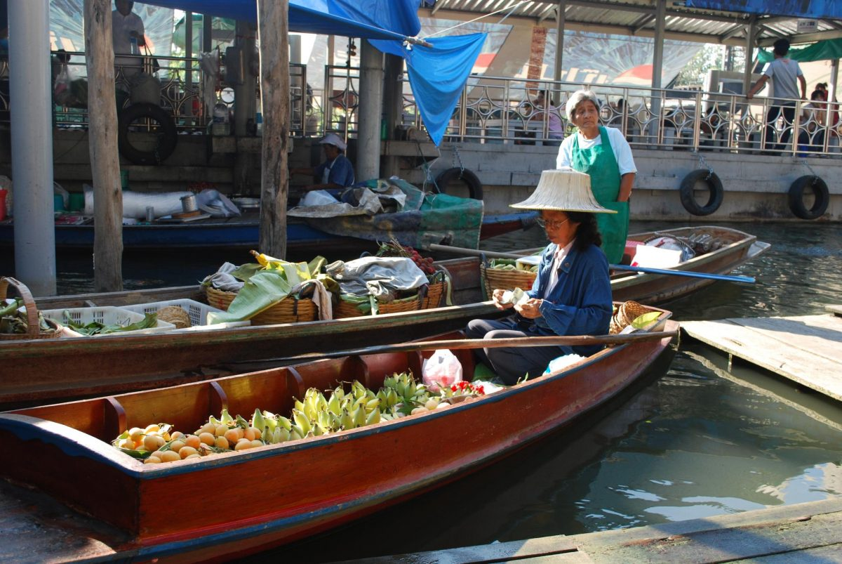 Fruit sellers Taling Chan Floating Market