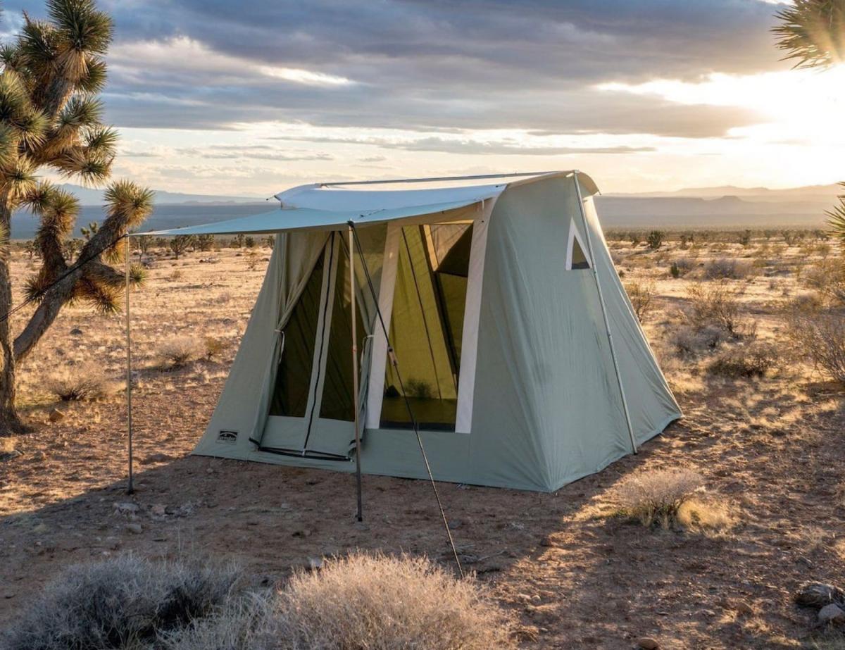 Airbnb Las Vegas, Lux Canvas Tent