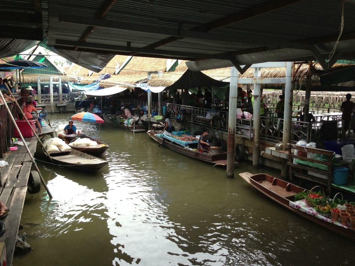 Taling Chan boats