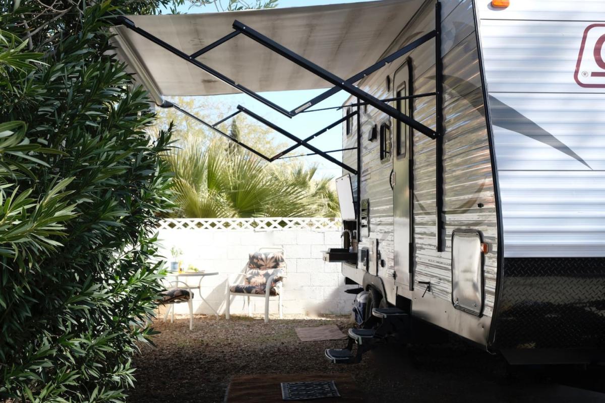 Airbnb Las Vegas, Camper/RV Van