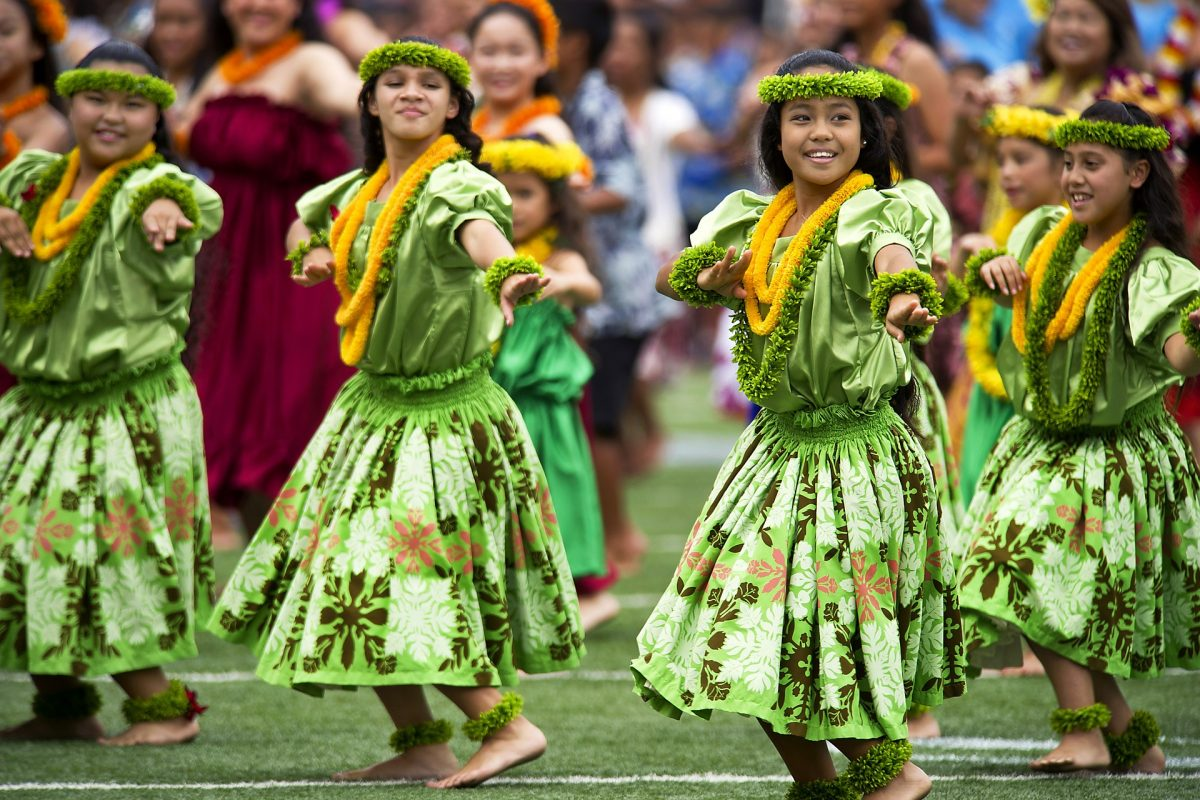group of hawaiian women dancing hula