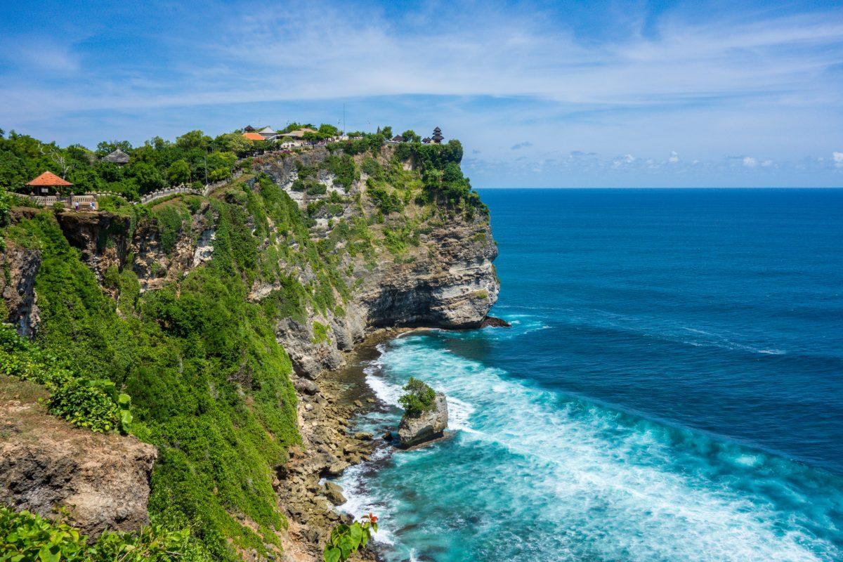 Cliff view of uluwatu temple