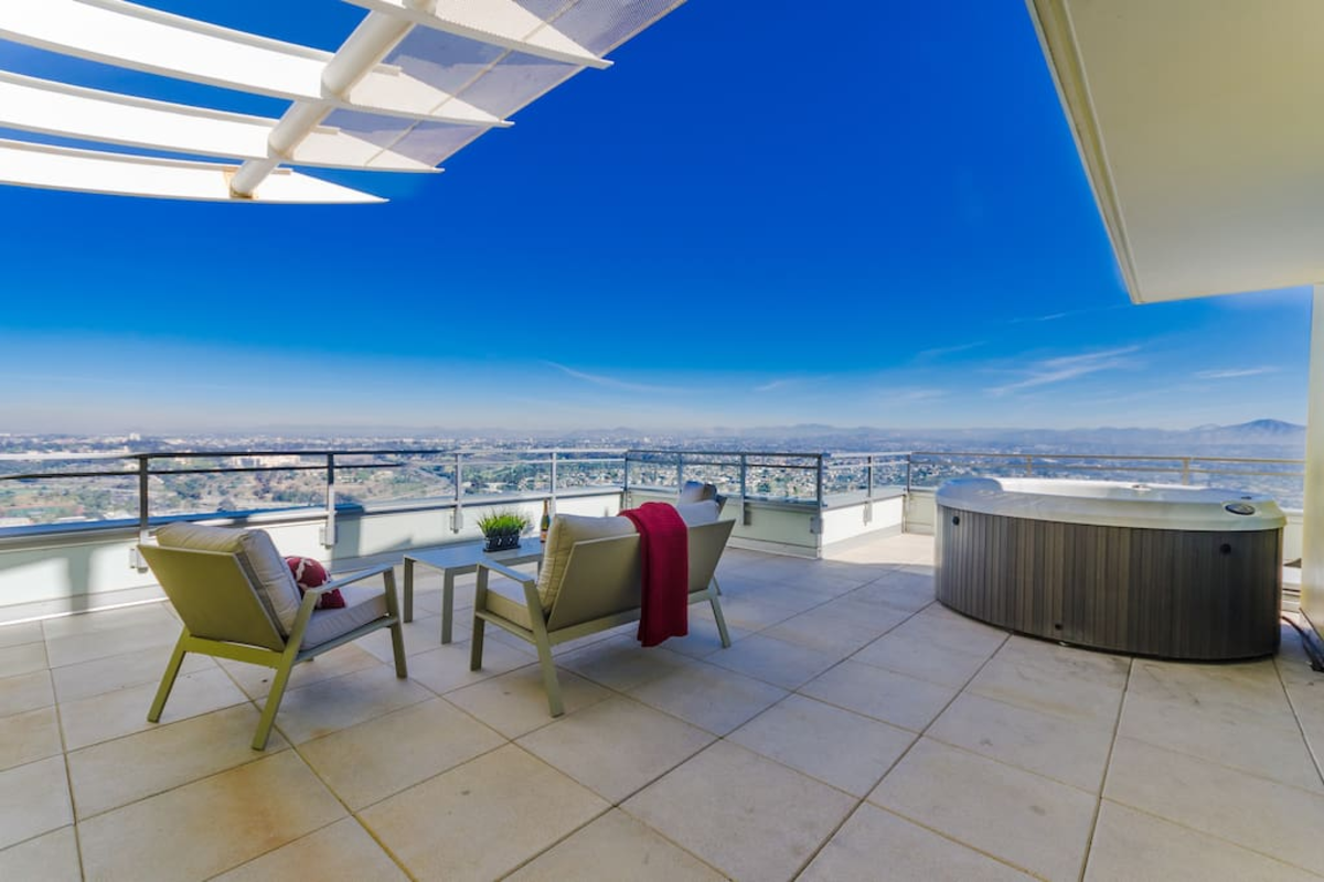 This Airbnb San Diego penthouse can fulfill all your fantasies about living life like a Hollywood celebrity