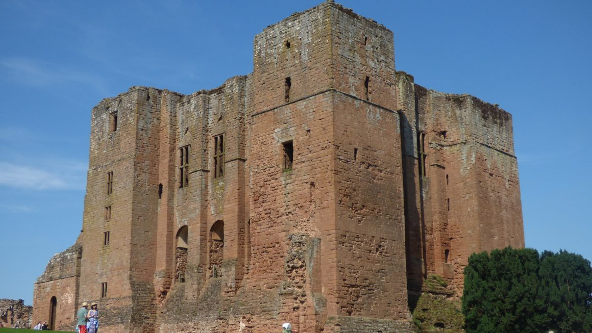 The imposing Kenilworth Castle