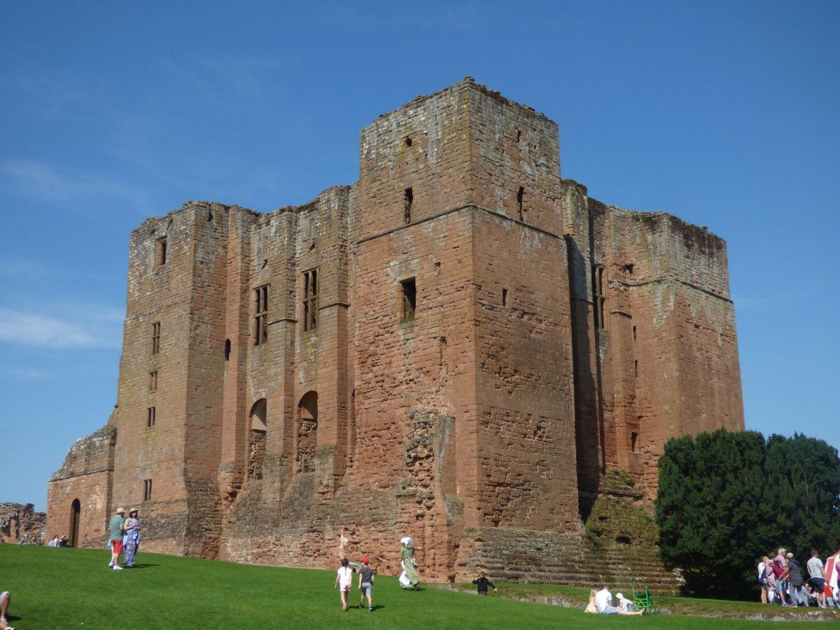 The imposing Kenilworth Castle