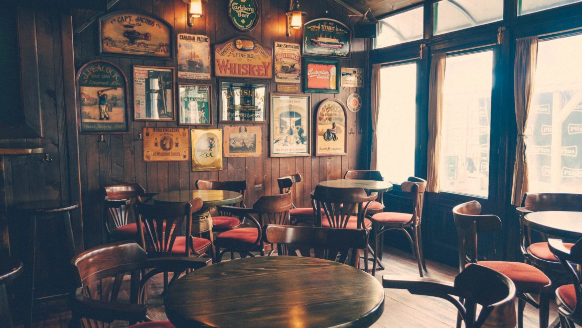 Long Hall 1 1160x653 - All About The 5 Best Bars in Dublin, Ireland