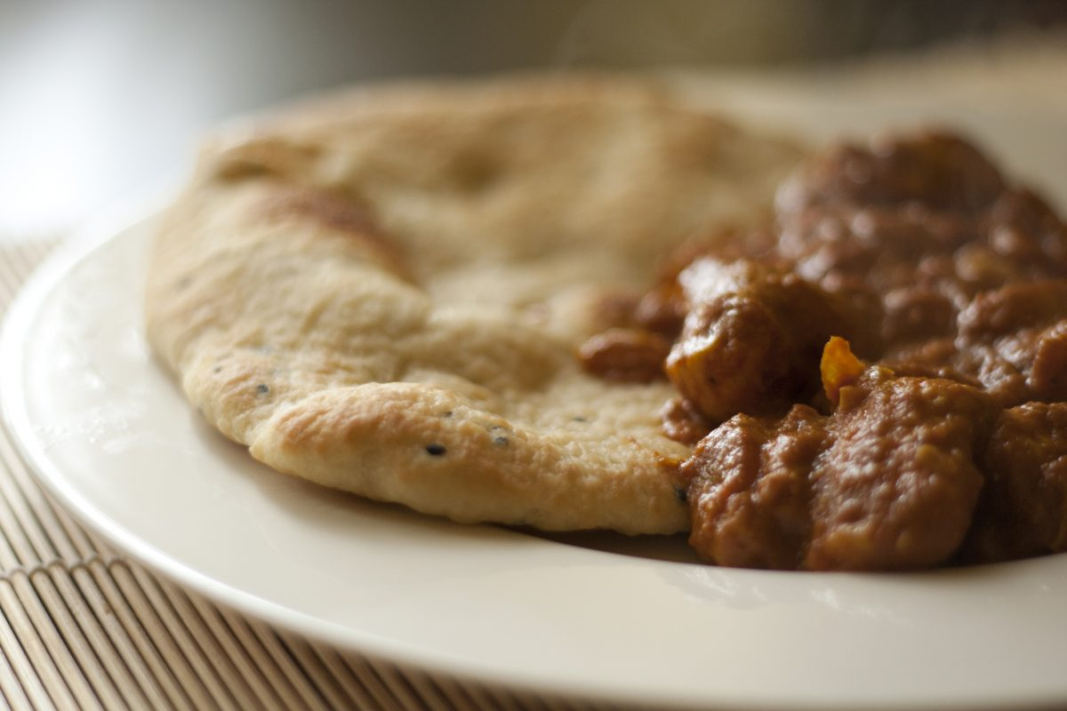 Butter Chicken with Garlic Naan