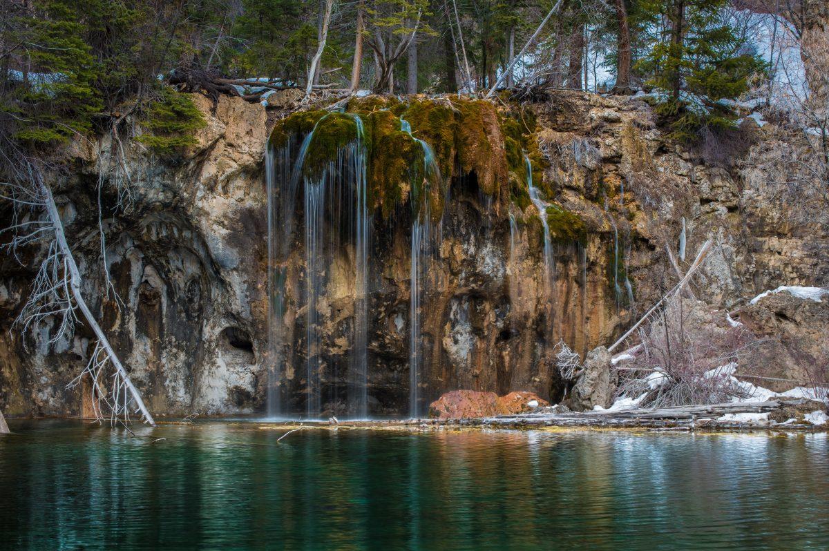 Beautiufl scenery at Hanging Lake Trail