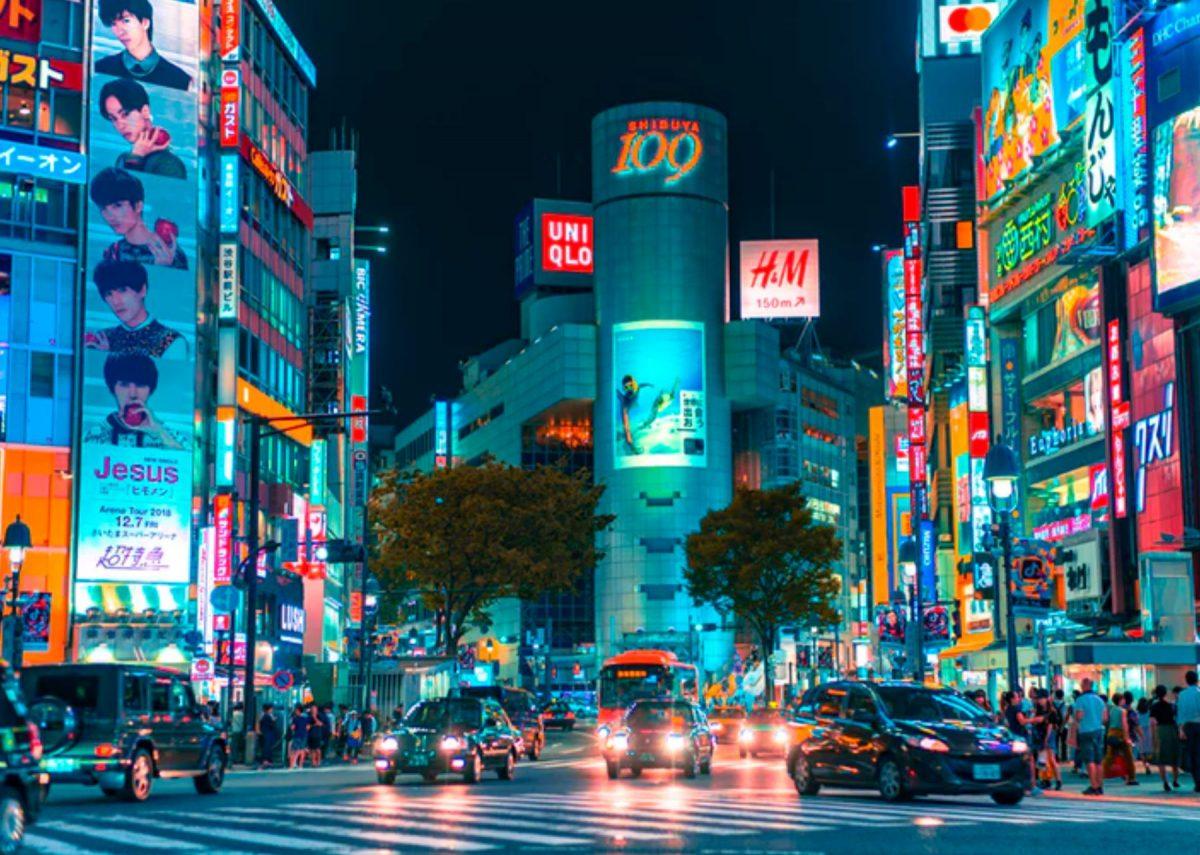 Iconic shibuya traffic during the night