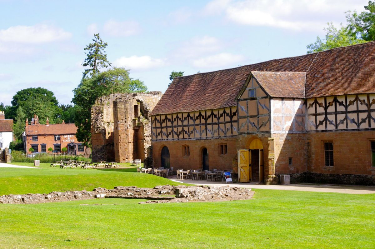 A place to eat at Kenilworth Castle tea room