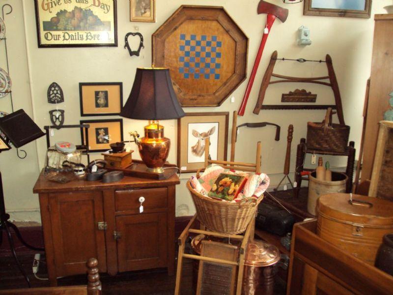 Antique Store In US, Corner Antiques