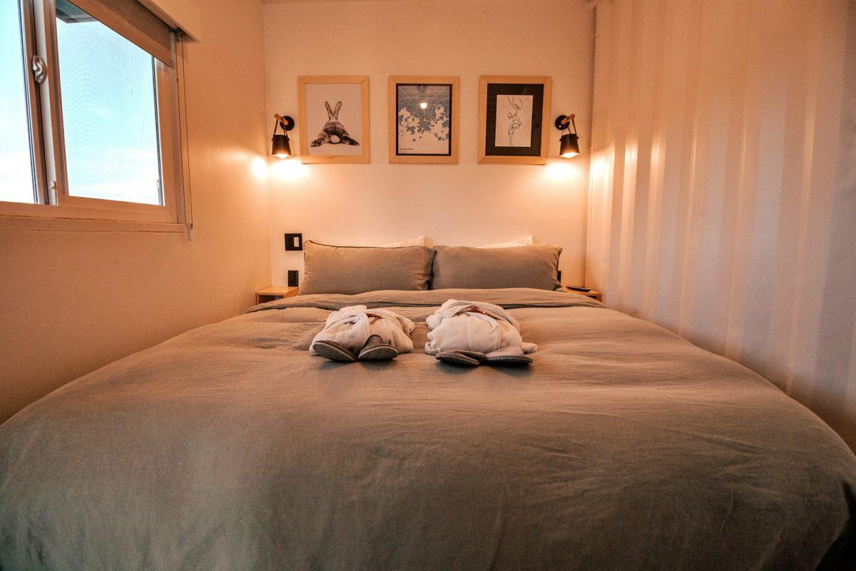 erick palacio  B9J6abAHPA unsplash - Why Do You Need Bed Bug Spray In Your Travel Kit?