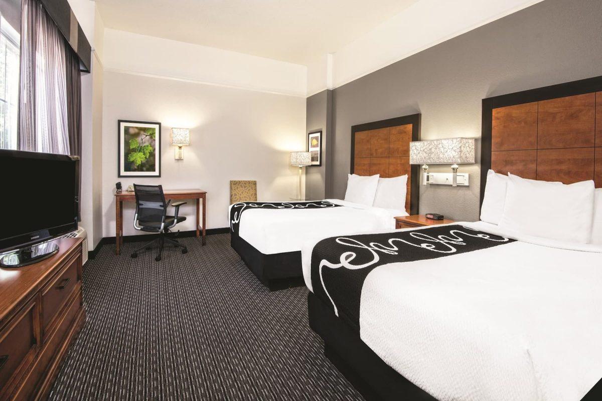 La Quinta Inn & Suites by Wyndham San Antonio Riverwalk