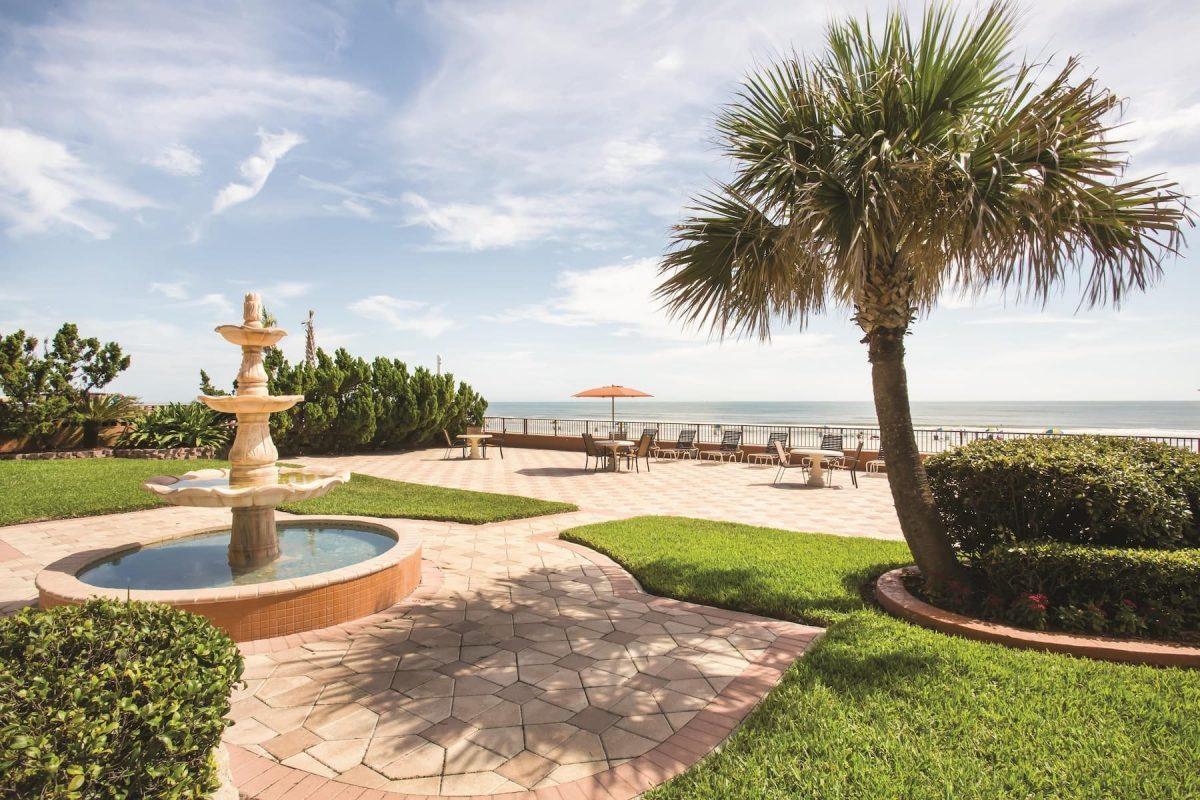 La Quinta Inn & Suites by Wyndham Oceanfront Daytona Beach