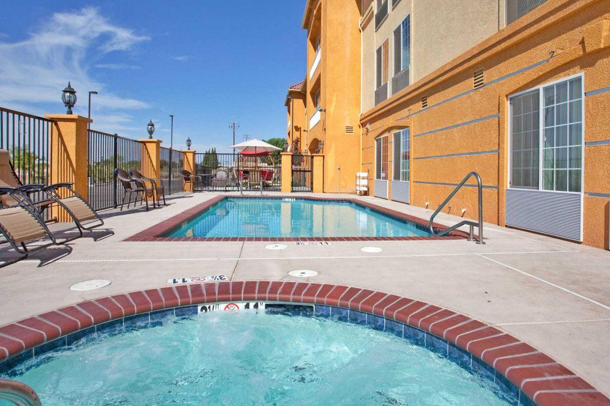 La Quinta Inn & Suites by Wyndham Fowler