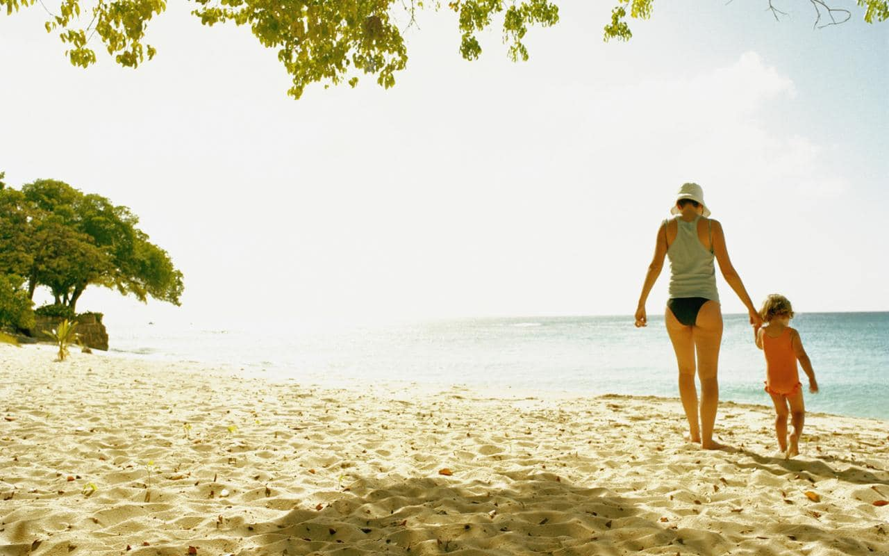 How to avoid sand fleas while travelling