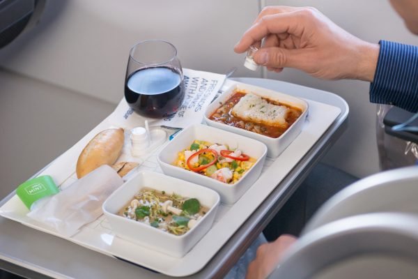 5 Best Airlines Food & Meals To Enjoy While Flying