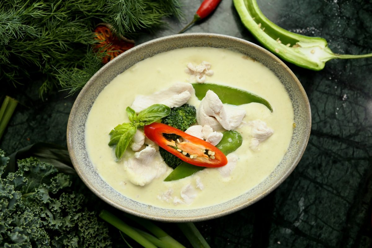 Thai Food, Kaeng Khiao Wan Gai, Green Curry Chicken