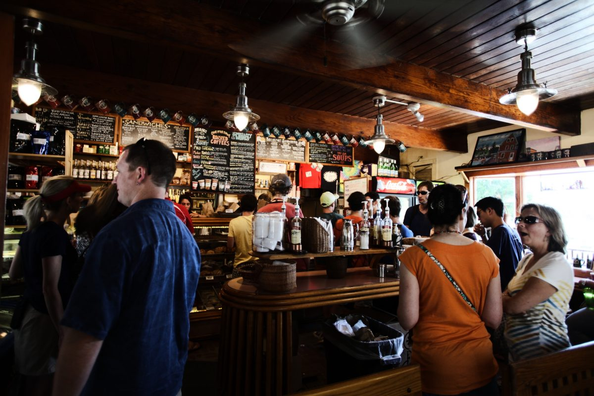 Have A Drink In A Traditional English Pub