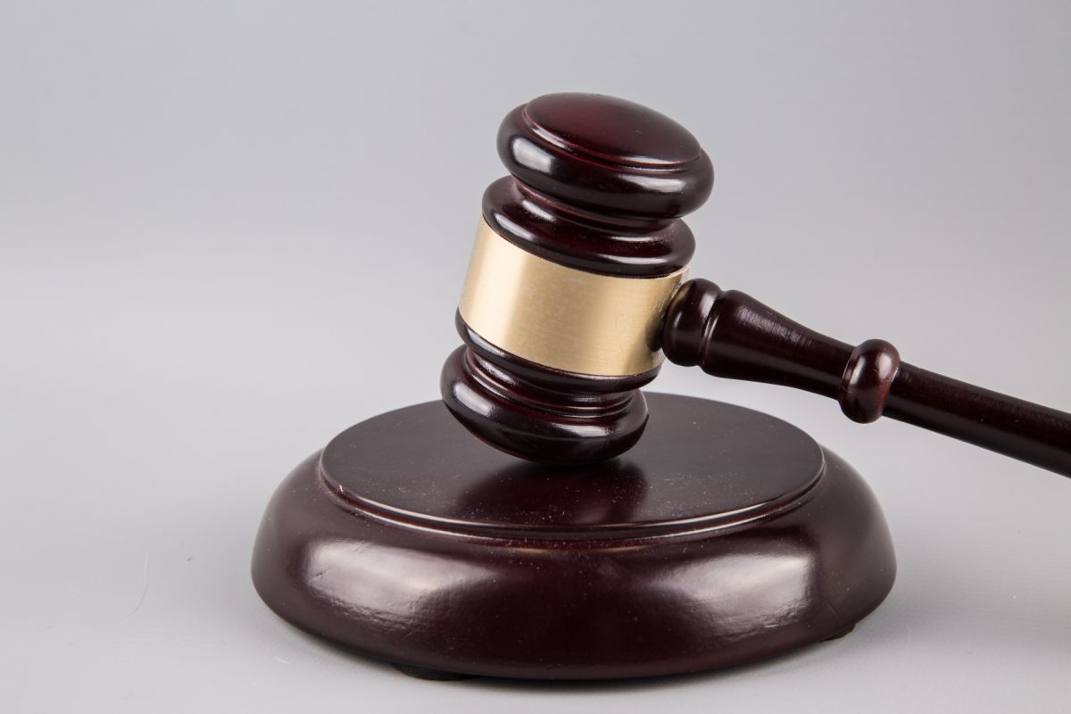 judge gavel 1461287273llp - Tips On How To Upgrade To Business Or First Class For Free