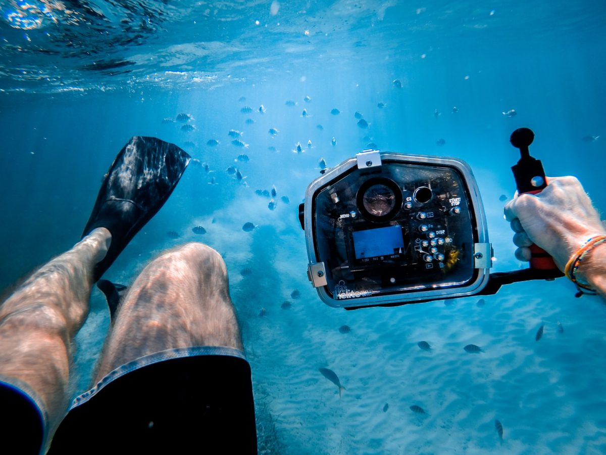 photo 1487253096619 4ab6f24d5bbe - Best Underwater Cameras For The Adventure Traveller