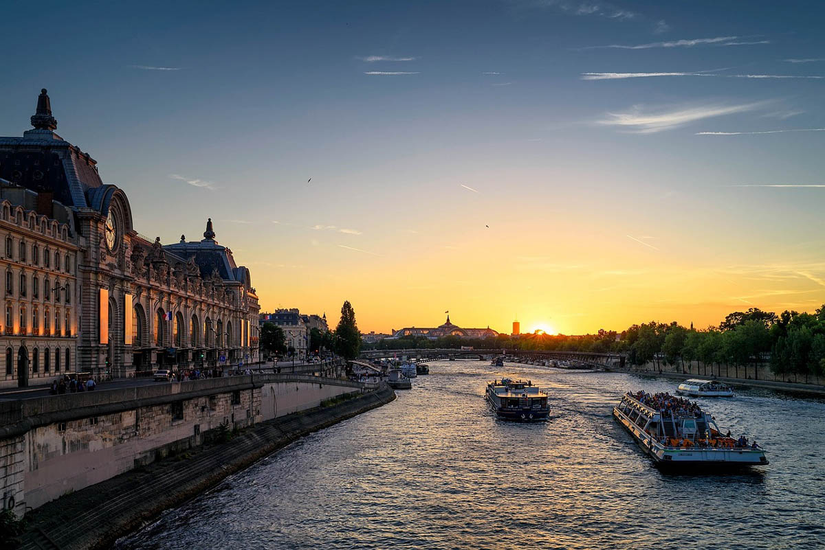 seine river 905055 1280 - 21 Incredible Things To Do In Paris, France