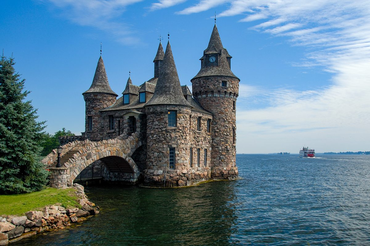 small castle - Your Guide To Visiting Boldt Castle