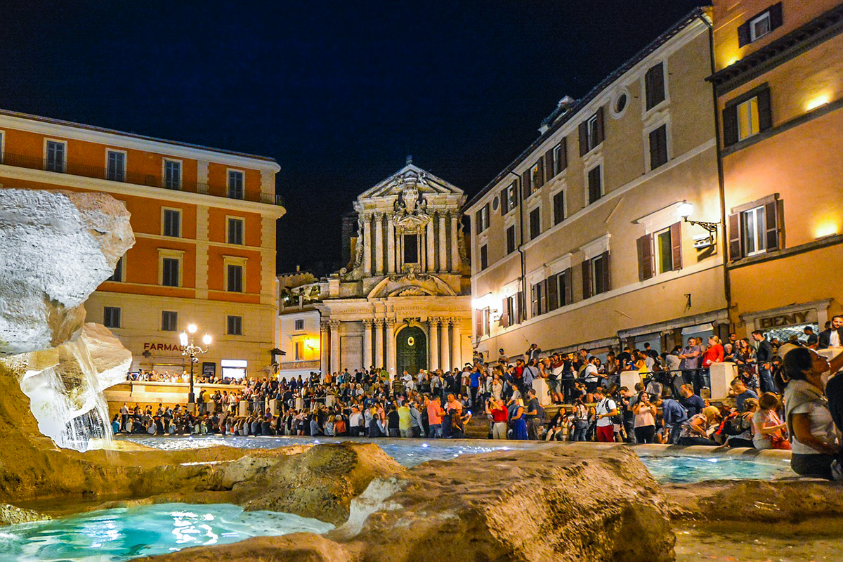 trevi night 1 - All You Need To Know About Visiting The Trevi Fountain In Rome
