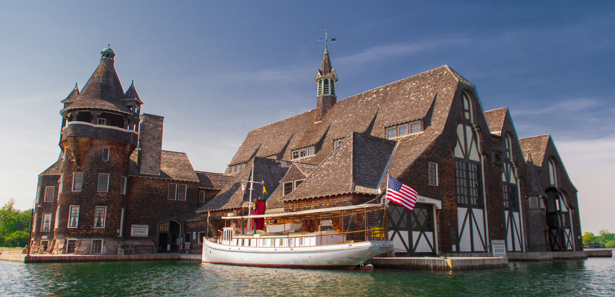 yacht house kestral - Your Guide To Visiting Boldt Castle