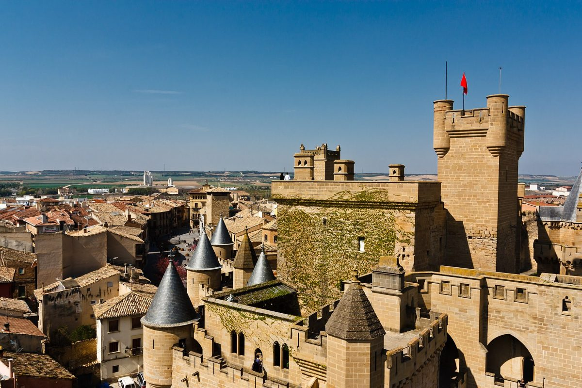 Also known as the Royal Palace of Olite, Castillo de Olite is one of the most majestic medieval castles in Europe.