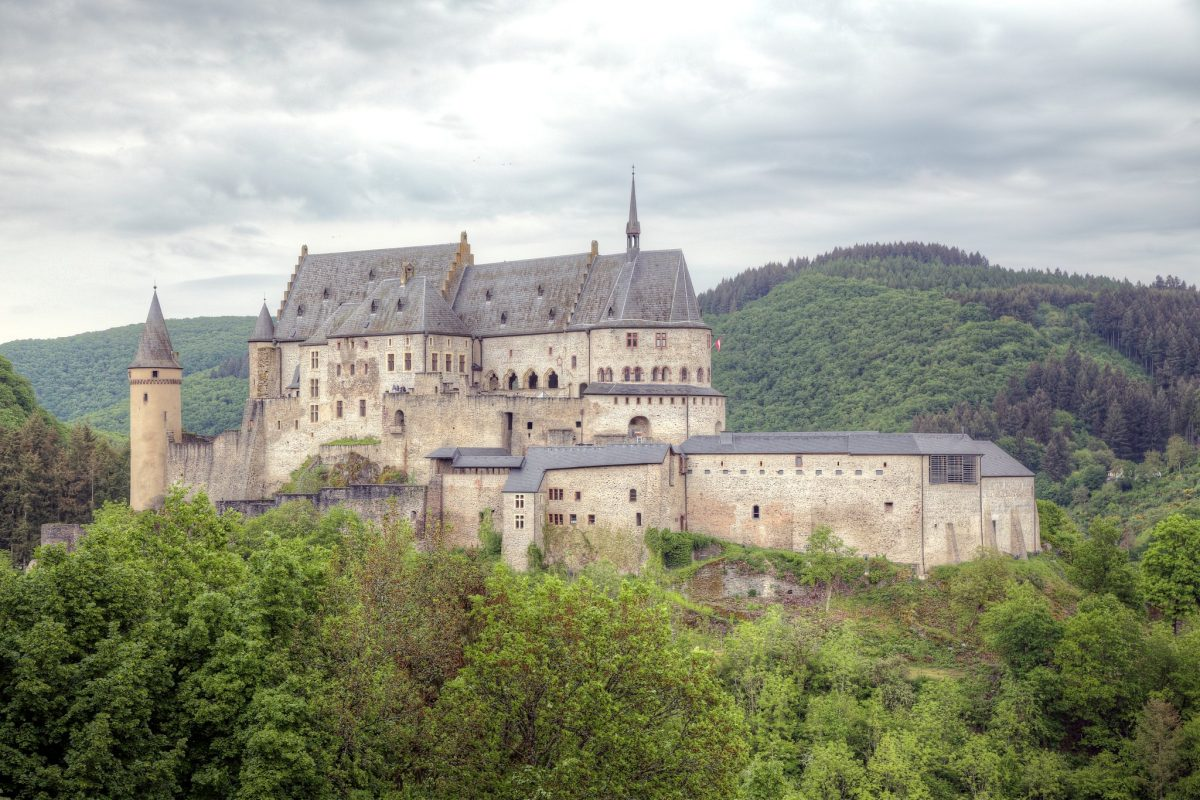 If you want to know what makes the town of Vianden so unique then you should visit the Vianden Castle located in north Luxembourg.